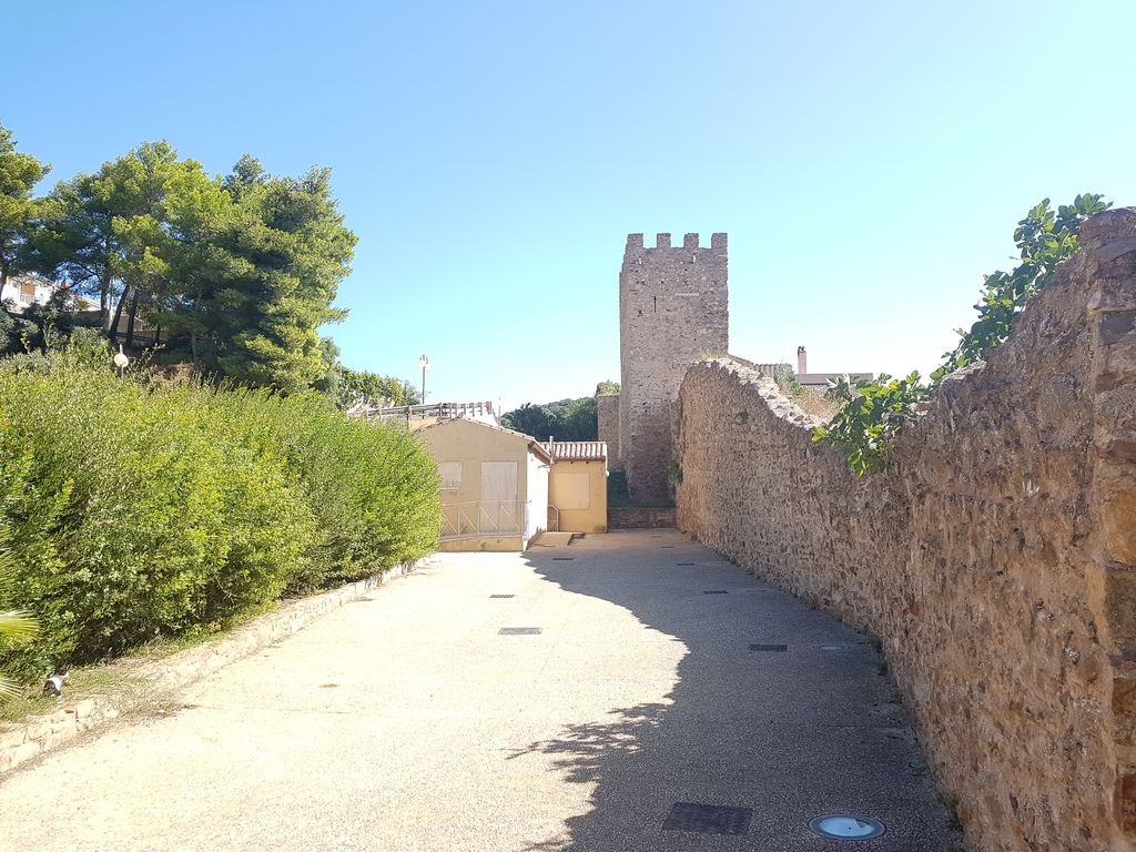 Torre Guelfa Iglesias